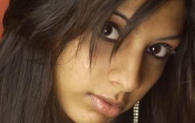Zoya Aly